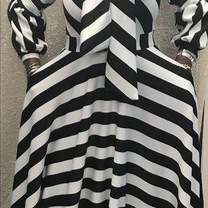 Dresses & Skirts - Black and White Bowtie Dress